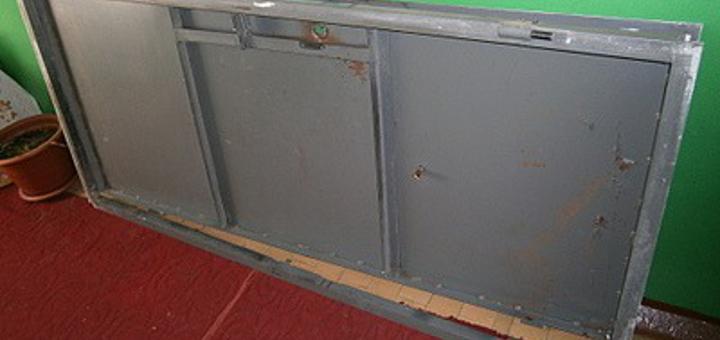 Железные двери на металлолом