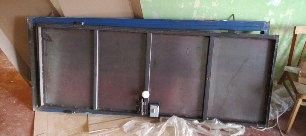 Сдать старую дверь на металлолом